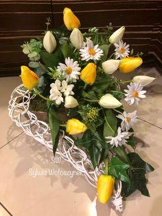 Dahlia, Funeral, Holiday Crafts, Floral Arrangements, Easter, Table Decorations, Diy, Home Decor, Flower Arrangements