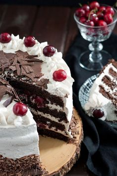Black Forest Cake Black forest cake is a traditional German torte originating from a bakery in the Black Forest. This recipe is a more chocolate-rich version of the original. Black Forest Cake Recipe From Scratch, White Forest Cake Recipe, Cake Recipes From Scratch, Black Forest Cake Germany, Rodjendanske Torte, Delicious Desserts, Dessert Recipes, Cupcake Recipes, Baking Recipes