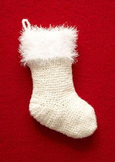 Free Crochet Holiday Stocking Pattern