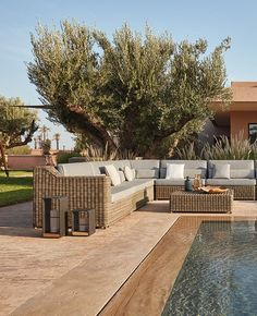 The San Diego collection of tables, chairs, sofas and accessories combines strong water-repellent fabrics and synthetic aged rattan cane work. Outdoor Sofa Sets, Outdoor Living, Outdoor Furniture, Outdoor Decor, San Diego, Wicker Sofa, Modular Sofa, Exterior Design, Terrace