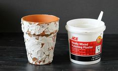 Paint and plaster techniques for 3 different ways to age terracotta pots. Starting with ordinary clay pots for flowers or to make a gift container. Painted Clay Pots, Painted Flower Pots, Painted Pebbles, Terracotta Paint, Terracotta Pots, Terra Cotta, Lawn And Garden, Garden Pots, Cement Art