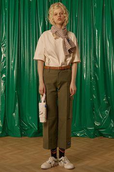 After a quiet year so far, Seoul's ADER ERROR returns with another collection of streetwear bangers. Minimal Fashion, Urban Fashion, Retro Fashion, Girl Fashion, Womens Fashion, Fashion Design, Fashion Essay, Korean Streetwear, Fashion Silhouette