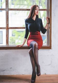 Black tights and stockings. Asian Fashion, Girl Fashion, Fashion Outfits, Fashion Photo, Fashion Clothes, Cute Asian Girls, Hot Girls, Looks Pinterest, Frauen In High Heels