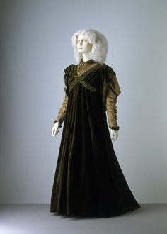 Tea Gown Liberty  Co., 1894 The Victoria  Albert Museum