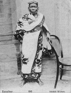 Africa | Swahili woman. Zanzibar. ca. 1900 - 1910. | Vintage postcard; photographer Pereira de Lord.