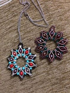 This Pin was discovered by Oya Jewelry Making Tutorials, Beading Tutorials, Beading Patterns, O Beads, Beads And Wire, Beaded Earrings, Beaded Jewelry, Diy Jewelry Inspiration, Diy Crafts Jewelry
