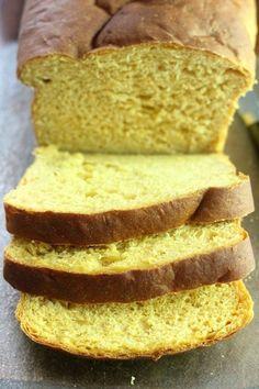 Jeder kann selbst gebackenes Brot zu machen!  Dieses Rezept für süße Kartoffel-Bananen-Brot ist einfach und führt zu einem feuchten, schöne Laib perfekt für den Herbst und Thanksgiving.