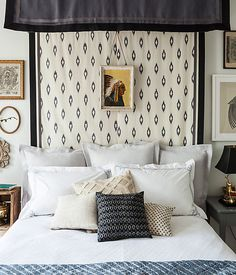 This simple DIY canopy is a quick and dramatic way to transform your bed into a serene sanctuary, and the perfect pillow arrangement below adds a finishing touch to the comfy and refined look. Bed Pillow Arrangement, Home Bedroom, Bedroom Decor, Bedroom Colors, Bedroom Sets, Master Bedroom, Diy Bett, Diy Canopy, Fabric Canopy