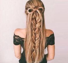 54 Best Bohemian Hairstyles That Turn Heads Bohemian hairstyles are worth mastering because they are creative, pretty and so wild. Plus, boho hairstyles do not require much time and effort to do. See more fabulous boho hairstyles. Bohemian Hairstyles, Pretty Hairstyles, Wedding Hairstyles, Hairstyles 2018, Hairstyle Ideas, Girly Hairstyles, Church Hairstyles, Ladies Hairstyles, Christmas Hairstyles