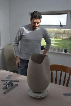 hashraf Hanna Ceramic Workshop, Ceramic Studio, Ceramic Techniques, Pottery Techniques, Ceramic Pots, Ceramic Clay, Pottery Vase, Ceramic Pottery, Pottery Lessons