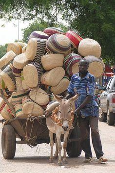 Basket Vendor and Donkey Cart - Bolgatanga - Ghana por Adam Jones, Ph.D. em Flick