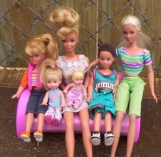 Barbie's fam, Stacie, Kelly, Krissy, Todd & Skipper....I totally had Todd!