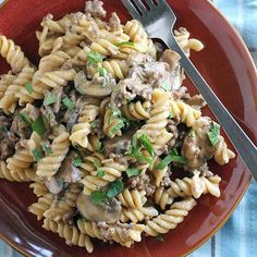 One Pot Ground Beef Stroganoff | this is the kind of thing I could eat everyday! :p