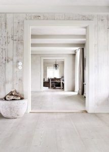 I am a huge fan of white floors. I have just had installed white French oak throughout the entire house and could not be happier. We live at the beach and there's an incredible amount of natural light that reflects from the sea. Style At Home, Interior Architecture, Interior And Exterior, White Washed Furniture, Painted Furniture, White Wood Walls, Distressed Walls, White Wash Wood Floors, Vintage Furniture