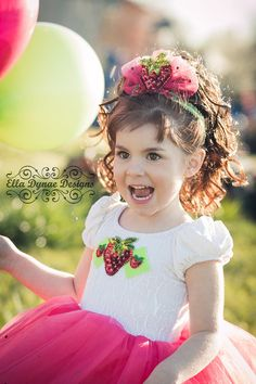 Strawberry Shortcake Costume, Tutu Costumes, Costume Ideas, Princess Costumes, Ball Gowns, Flower Girl Dresses, Trending Outfits, Princess Disney, Halloween