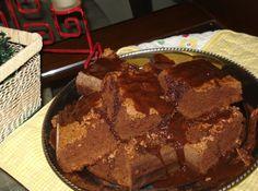 Bolo de Chocolate com Cobertura de Chocolate ao Rum
