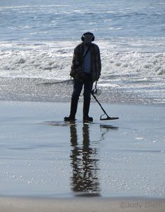 What California Beaches Are The Best For Metal Detectors
