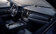 Home › Forums › Auto Industry News › This is the 2017 Volvo V90 Cross Country…