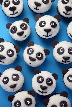 Panda-cupcakes by Bakerella Panda Cupcakes, Love Cupcakes, Chocolate Sweets, Chocolate Cupcakes, Creative Cakes, Creative Food, Great Desserts, Dessert Recipes, Bolo Panda