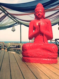 Buddha...Un Buddha è, secondo il Buddhismo, un essere che ha raggiunto il massimo grado dell'illuminazione.