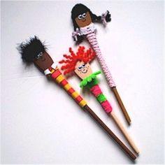 Wooden Spoon Puppets Wooden Spoon Crafts, Wooden Spoons, Diy Crafts For Kids, Art For Kids, Craft Ideas, Multicultural Crafts, Puppets For Kids, Kindergarten Crafts, Preschool Crafts