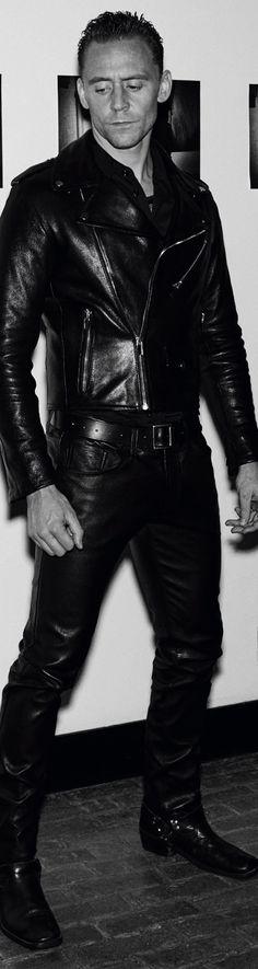 Tom Hiddleston photographed by Steven Klein for Interview Magazine. Full size image (UHQ): http://ww4.sinaimg.cn/large/6e14d388gw1f96r60islzj21qt2fv1kx.jpg Source: Torrilla