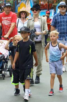 Gwen Stefani takes Kingston and Zuma to Knotts Berry Farm
