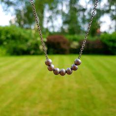 Naše nové autorské náhrdelníky v minimalistickém stylu. Vytvořeno jsou z velice kvalitní nerezové a chirurgické oceli. Design
