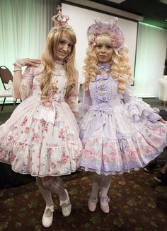Lovelylor and a friend during the internation lolita day event in Mexico.