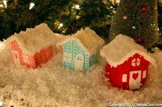 Cute crocheted houses :)