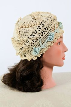 crochet hat--potentially cute Crochet Beanie, Knit Or Crochet, Crochet Scarves, Crochet Stitches, Knitted Hats, Crochet Patterns, Crochet Gloves, Hat Patterns, Love Hat