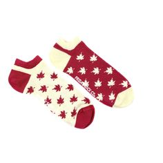 Wear your Canadian pride with our Oh Canada inverted maple leaf mismatched socks. Designed in Canada and ethically made in Italy.  Click the link to see other sizes!