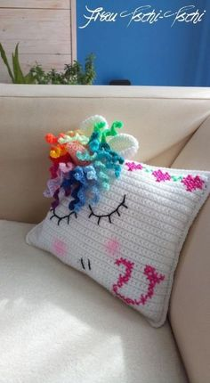 Unicorn pillow – free crochet pattern - Knitting and Crochet Guide Crochet Unicorn Blanket, Crochet Unicorn Pattern, Crochet Pillow Patterns Free, Unicorn Pillow, Baby Knitting Patterns, Free Pattern, Crochet Amigurumi, Crochet Toys, Crochet Crafts
