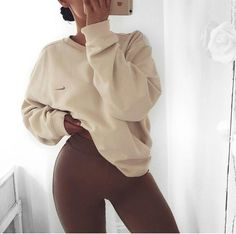See more ideas about Fashion outfits, Spoils clothes and Woman design and style. Lazy Day Outfits, Cute Comfy Outfits, Chill Outfits, Mode Outfits, Stylish Outfits, Fashion Outfits, Preppy Outfits, Club Outfits, Mode Grunge