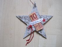 Cash gift star, Christmas gift, A star made of birch bark has been lovingly decorated with the words Merry Christmas. A banknote can be placed under this Christmas greeting, which was stamped by Christmas Bows, Christmas Crafts, Xmas, Christmas Ornaments, Present Christmas, German Christmas, Don D'argent, Stampin Up, Paper Gifts