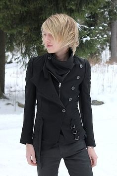 I love this jacket. I wish it to be mine. (It's Ann Demeulemeester though, so I probably couldn't afford it even if I could find it...)    http://lookbook.nu/look/1356543-Chilly