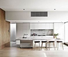 If you're after timeless kitchen inspiration before a build or renovation, look no further than these neutral kitchens design ideas that are anything but boring. Neutral Kitchen Designs, Luxury Kitchen Design, Elegant Kitchens, Grey Kitchens, Modern Kitchens, Kitchen Grey, Kitchen Modern, Kitchen Living, Modern Farmhouse