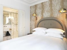 € 172.80 Located in Paris, Grand Pigalle Hotel is 550 metres from the Moulin Rouge. This hotel offers free WiFi, air conditioning and luggage service.