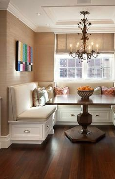 Traditional Dining Design Ideas, Pictures, Remodel and Decor Booth Seating In Kitchen, Kitchen Booths, Kitchen Benches, Kitchen Nook, Built In Dining Room Seating, Family Kitchen, Dining Room Banquette, Dining Area, Dining Corner
