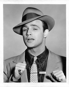 Marlon Brando as Sky Masterson - Guys and Dolls Hollywood Men, Golden Age Of Hollywood, Hollywood Stars, Classic Hollywood, Vintage Hollywood, Marlon Brando, Don Corleone, Actor Studio, Old Movie Stars