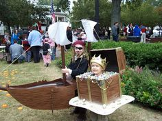Family Halloween Costume - Pirate Theme by Kitchen Fun with My 3 Sons Family Themed Halloween Costumes, Halloween Costumes To Make, Homemade Costumes, Family Costumes, Baby Costumes, Halloween Ideas, Pirate Costumes, Group Costumes, Halloween Projects