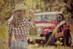 For you jeep lovers. let's get a jeep of someone and have some fun! Jeep Wrangler Girl, Jeep Cj, Cow Girl, Hot Country Girls, Country Life, Country Living, Country Style, Jeep Baby, Jeep Photos