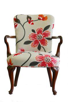 Upholstered Floral Armchair van WildChairy op Etsy