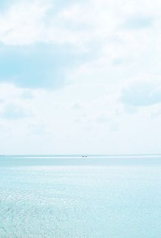 Seascape Photography | Sunny pale blue sea & sky
