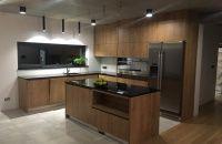 Moderné kuchyne | Kuchyne Janoštin, s.r.o. Kitchen Island, Kitchen Cabinets, Impala, Studio, Table, Furniture, Home Decor, Island Kitchen, Decoration Home