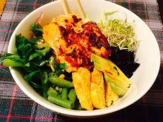 Low-carb Asian Salmon & Cauliflower rice Bowls