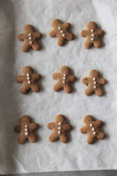 vk.com/aaeswl Christmas Mood, Christmas Baking, Christmas Cookies, Xmas, Gingerbread Cookies, Gingerbread Men, Christmas Porch, Prim Christmas, Country Christmas