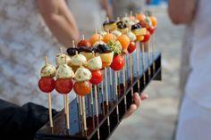 aperitiefhapjes op een stokje met fruit en groente - Google zoeken