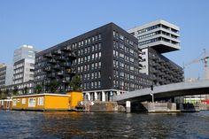 "https://flic.kr/p/asV3Xb | amsterdam architecture seen from the water | appartment buildings ""la grande cour"" at the westerdok, amsterdam. design: Meyer en Van Schooten, de Architecten Cie / Heren 5 architecten, 2007.  <a href=""http://www.mimoa.eu/projects/Netherlands/Amsterdam/La Grande Cour"" rel=""nofollow"">www.mimoa.eu/projects/Netherlands/Amsterdam/La%20Grande%2...</a>"