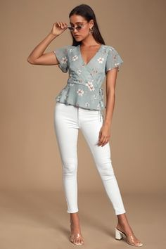 The Lulus Evie Light Blue Floral Print Peplum Wrap Top is the perfect top for any occasion! Floral print peplum top with metallic stripes and a wrap bodice. Fall Outfits For Work, Simple Outfits, Olive Green Pants, Tunic Tank Tops, Cute Blouses, Cute Tops, Floral Tops, Peplum, Fashion Outfits